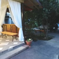 Мини-гостиница «у Валентины» (вблизи центрального входа)